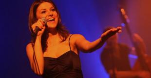 Trio jazz vocal en  animation de diner croisière sur la Seine (75)